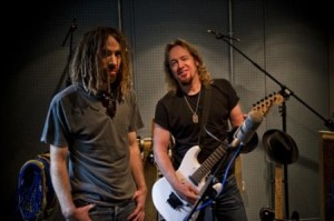 Adrian Smith y Mikee = Primal Rock Rebellion