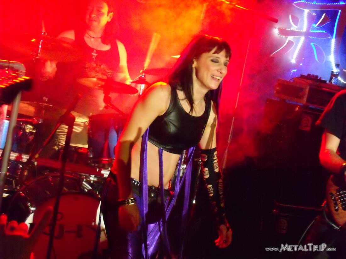 Patricia tapia khy sala salamandra barcelona 4 02 12 for Salamandra barcelona